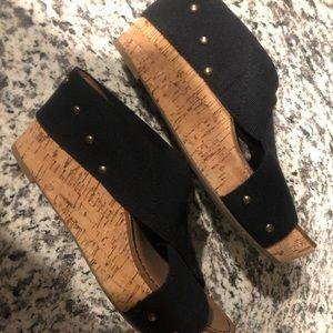 Crowne Vintage Woman's wedge slip on shoe NWOT
